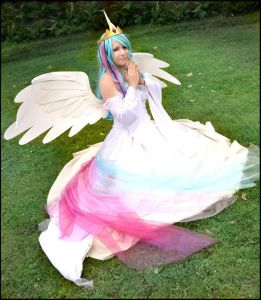 I pray for good cosplay, too Celestia.