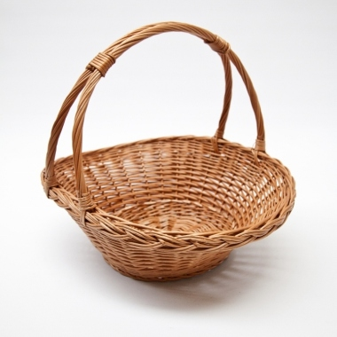 Rounded wicker basket
